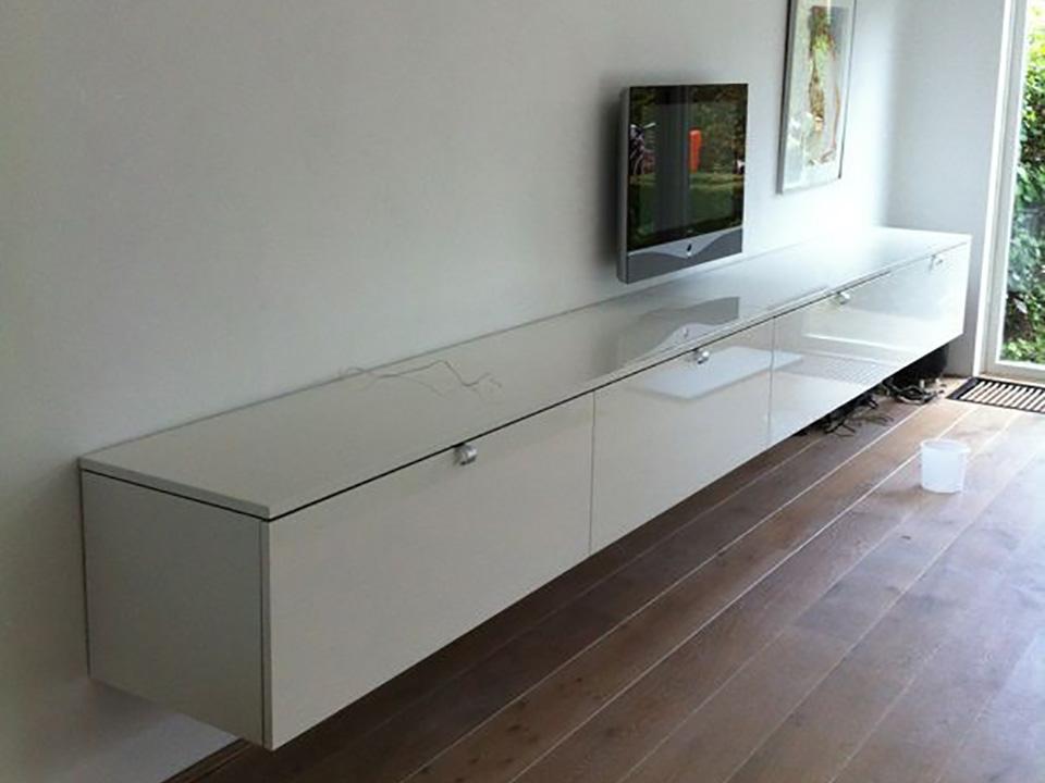 Keukenkastjes Verven Hoogglans : Witte keuken met houten vloer ~ beste ideen over huis en interieur