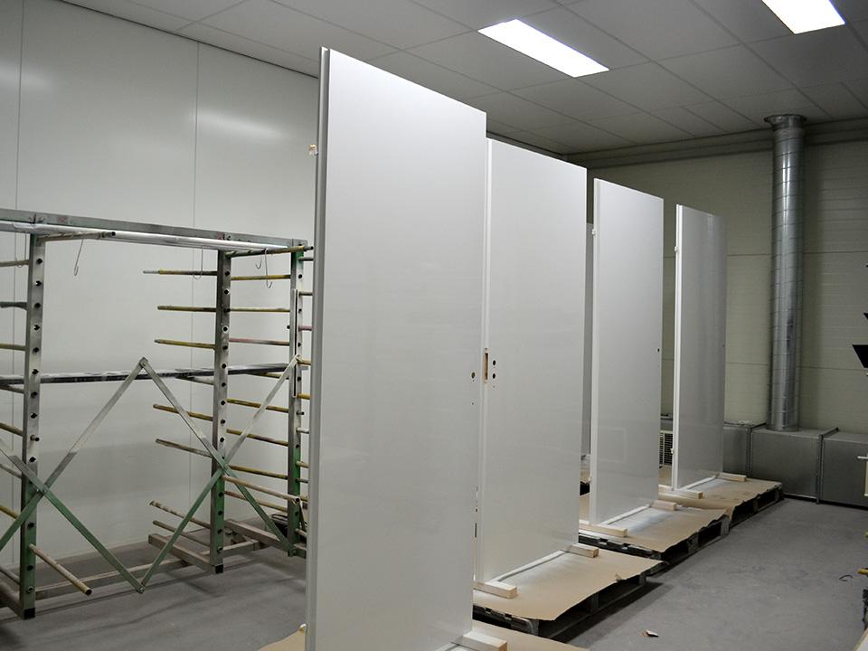 Deuren Laten Spuiten : Nieuwegein spuiterij meubelspuiterij interieurspuiterij moos